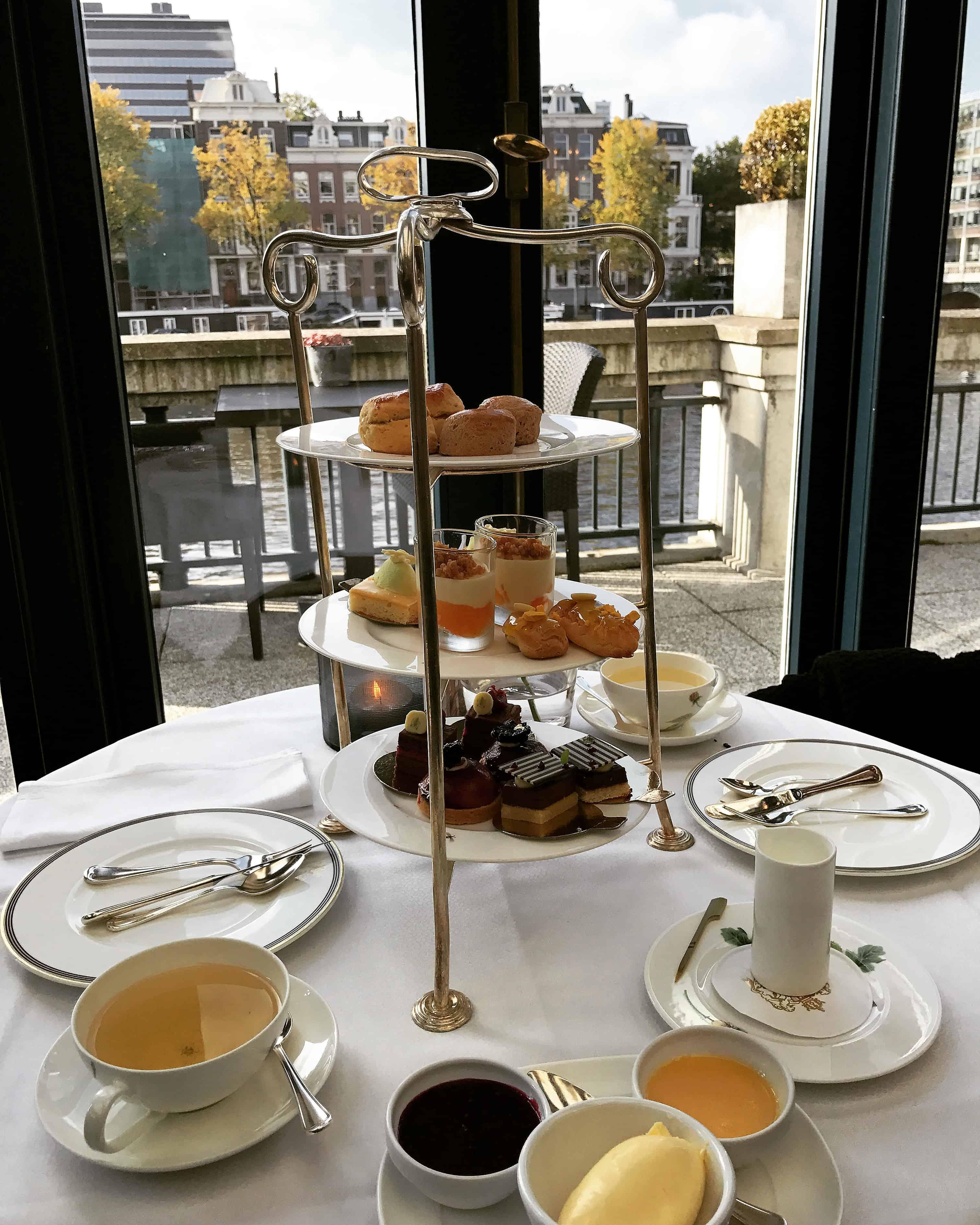 Een high tea in het Amstel Hotel